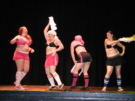 curvy girls burlesque